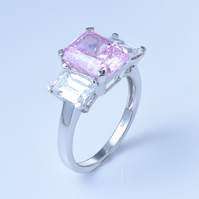 Fancy Pink Diamond Ring